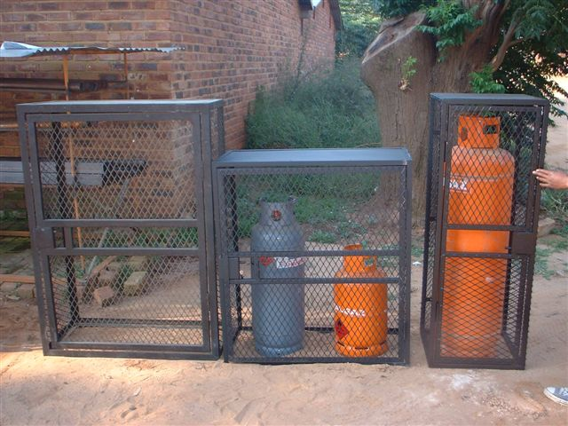 Cages_for_gas20464.jpg